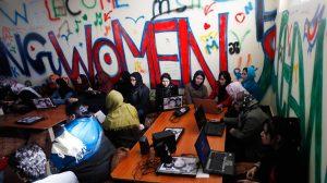 bayanlara özel internet cafe